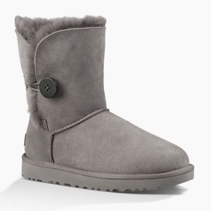 UGG Bailey Button II Boot Grey Size 9